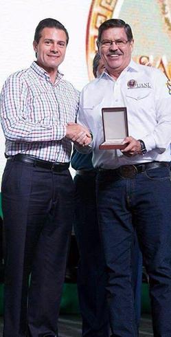 MedallaMérito Ganadero (3)