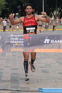 1° 10k varonil Andrés Garza Cano